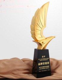 金鹰展翅水晶奖杯刻字商业合作纪念颁奖高档礼品桌面摆件老鹰