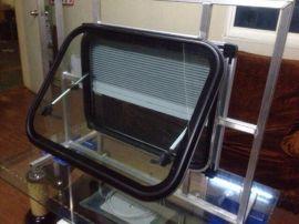 钢化玻璃-房车外推窗