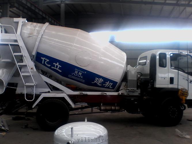 混凝土攪拌運輸車3立方,柴油機傳動,品牌:億立