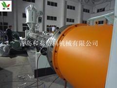 PE保温管设备生产线,黑黄夹克管设备,青岛和泰