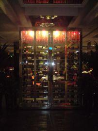 不锈钢拉丝黑钛酒柜酒架