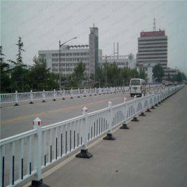 县城道路隔离护栏 绿色金属护栏 市政护栏