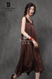 中老年金兆成女装品牌加盟折扣店**剪标夏季连衣裙