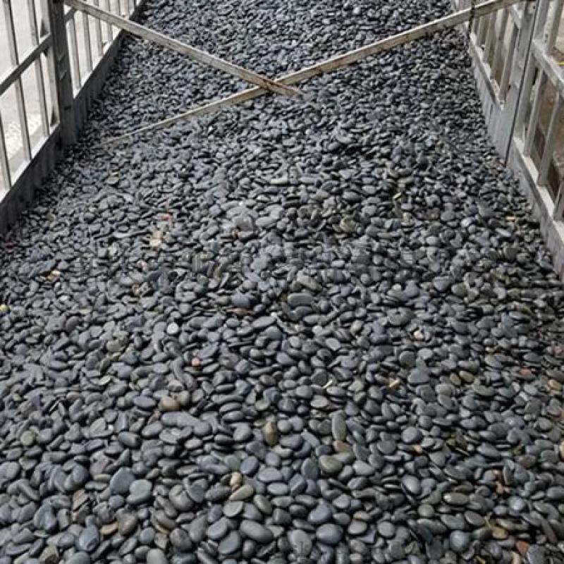 黑色鹅卵石批发_2-5公分天然黑卵石价格_渝荣顺!