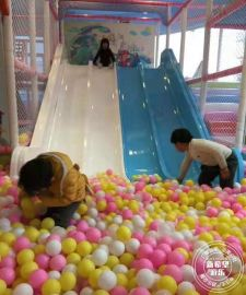 大型滑梯球池 室內淘氣堡蹦牀設備孩子堡樂園 新希望遊樂品牌加盟