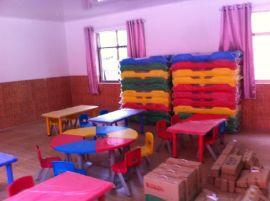 幼儿园设施 塑料桌子椅子 课桌椅