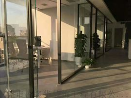 东莞做隔墙的师傅-彩钢板隔断. 玻璃隔墙工程
