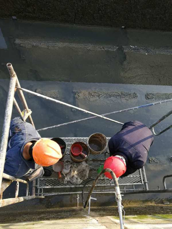 焦作水泥管道接頭漏水堵漏 蓄水池變形縫補漏施工