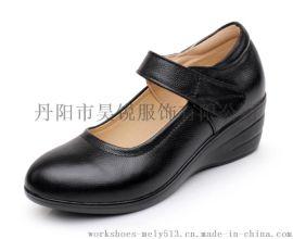 款号107XP 头层牛皮 舒适坡跟 休闲女装皮鞋 有搭袢更跟脚可来样加工