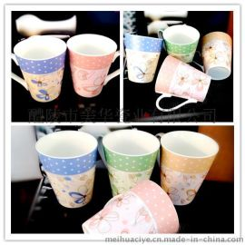 高温烤红釉方杯 陶瓷色釉杯 广告促销赠品马克杯
