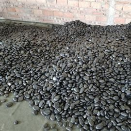 雨花石厂家_重庆黑色雨花石价格_荣顺厂。