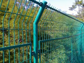 雅安圈地铁丝网生产厂家、雅安哪里有 圈地铁丝围栏网的厂家