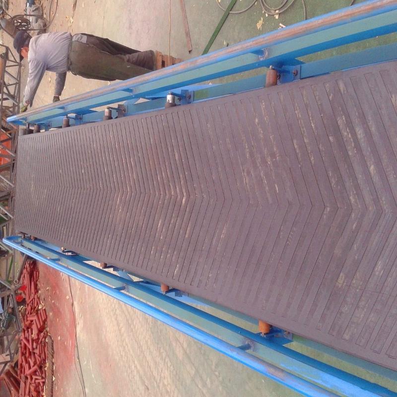 热销胶带式输送机 移动式爬坡皮带输送机 胶带输送机厂家