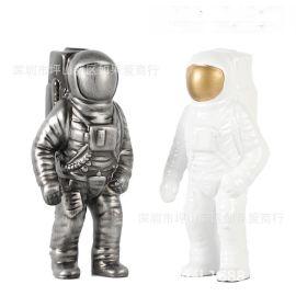 太空飛行員人物造型樹脂花器瓶禪意中式北歐式創意樣板間裝飾擺件