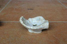 骨瓷烟缸,特色礼品定做,陶瓷礼品公司定做烟灰缸图片