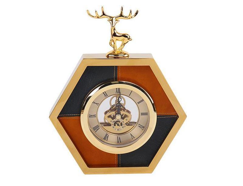 简约创意金色六边形金属皮革鹿头仔钟表时钟座钟摆台样板间摆件