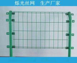 4.5mm双边丝铁丝护栏网 **双边护栏网现货的产品规格