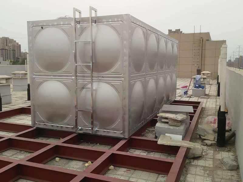 3001水箱 玻璃钢圆柱形水箱 恒温水箱摆放标准
