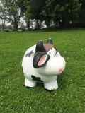 批发玻璃钢雕塑 仿真奶牛 树脂卡通动物雕刻