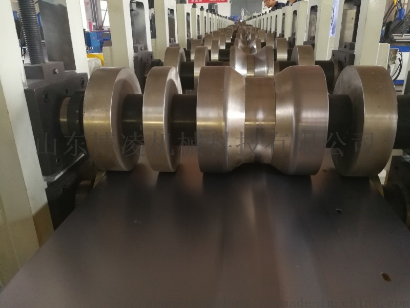 围栏立柱冲孔成型设备 围栏系统立柱生产线