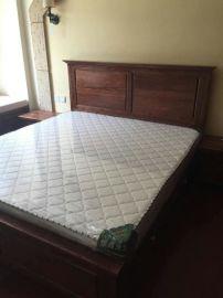 烟台瑞馨家具时尚卧室定制实木床1.8*2米,欢迎到店来
