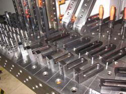 三维柔性焊接工装- 汽车焊接工装,焊接三维柔性组合工装