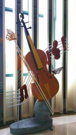 雕塑厂家设计及生产不锈钢小提琴雕塑带灯光和音乐含底座高3米