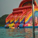 水上乐园充气滑梯,充气小彩虹滑梯