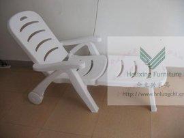 户外休闲沙滩泳池塑料白色折叠躺椅B0223