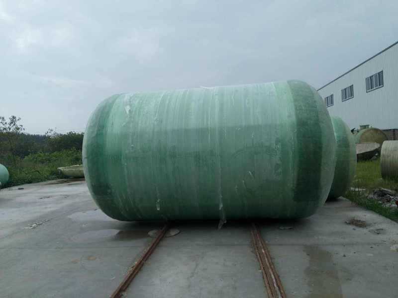 新型玻璃钢化粪池 模压式玻璃钢生物化粪池节约空间