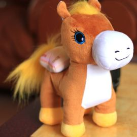 毛絨玩具工廠專業製作時尚個性毛絨玩具馬公仔