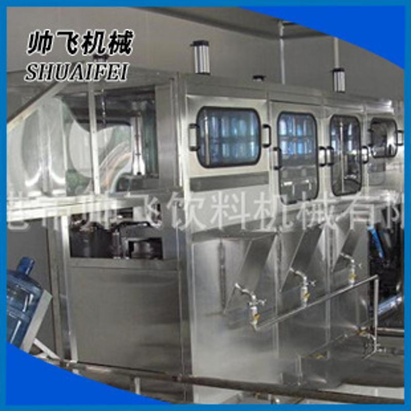 礦泉水灌裝機 5加侖灌裝生產線三合一灌裝機