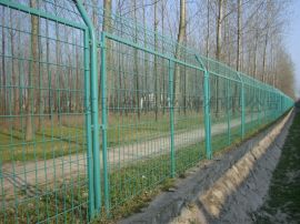 圈地铁丝网护栏、围山铁丝网护栏、园艺铁丝网围栏