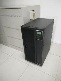 山特ups电压-ups200kva机头外置蓄电池