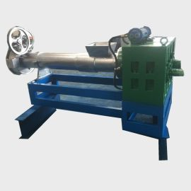 塑料造粒机 塑料回收造粒机采用电磁加热器加热