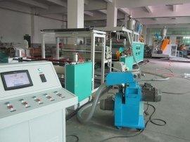 PE流延复合机,用于热复合无纺布,铝箔膜,布匹多种材料。