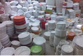 跑江湖地摊10元一斤模式论斤称密胺仿瓷餐具怎么样