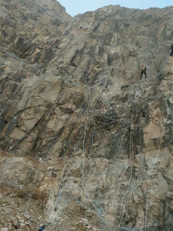 山体滑坡防护网 山西主动防护网