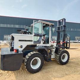 越野叉车柴油 多功能轮胎起重车一体式升降叉车搬运车