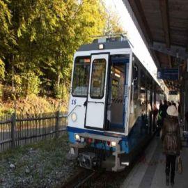 齿轨式登山观光列车