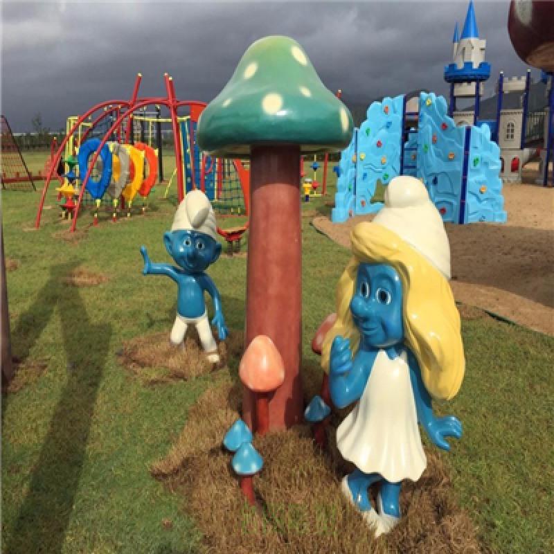 清远玻璃钢仿真蘑菇雕塑、玻璃钢蘑菇屋景观雕塑