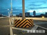 複合材料柔性防車撞設施