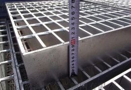 金栏定制钢格板少量现货,表面处理热浸锌,防腐耐用