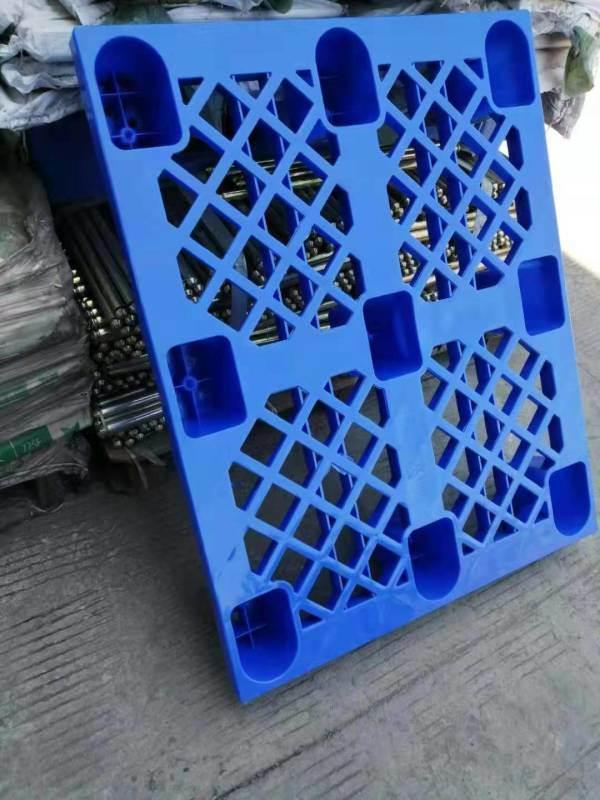 阿壩食品包裝專用托盤_九腳塑料托盤廠家