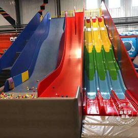 大型室内成人组合网红蹦床公园 波浪滑梯彩虹大滑梯 儿童游乐设施