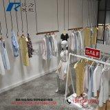 广州锐力展柜 简约女装展示柜定制