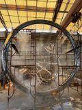 5米镜面不锈钢圆环雕塑喷雾装置效果、犹如点睛之笔