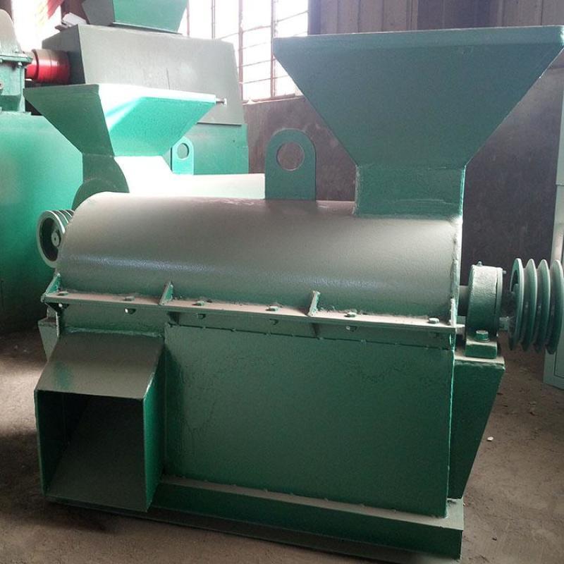 无干燥颗粒肥料加工方法对比对辊挤压造粒机更实用