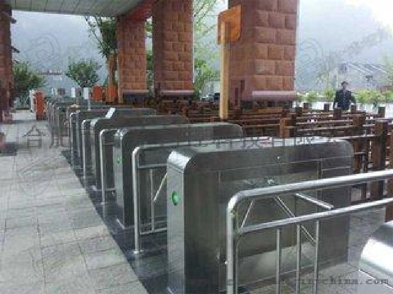 廠家直銷三輥閘 出入口通道閘 優質通道閘廠家