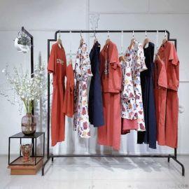 女装韩版宝格女装尾货女式羽绒服女装新款外套时尚女装地摊